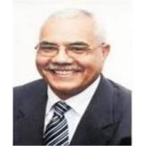 مصطفى النشار
